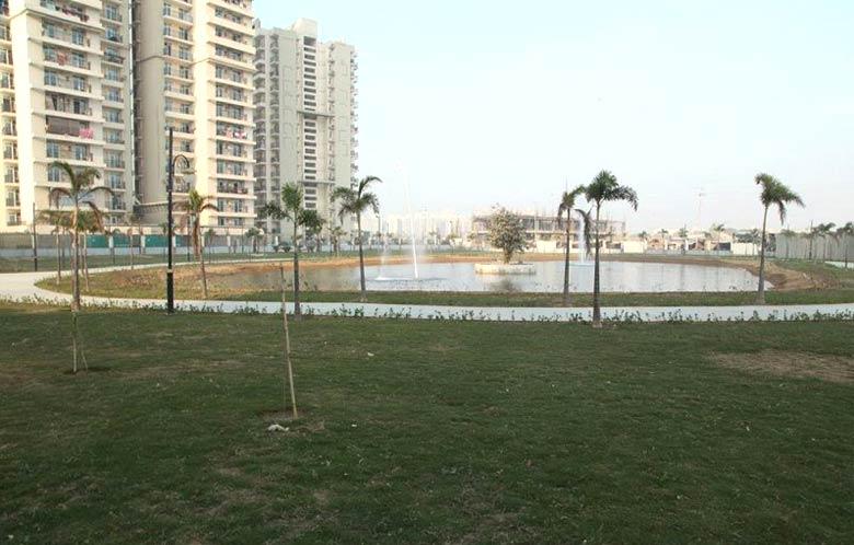 Gaur City 4th Avenue